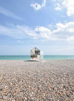 Mirrored beach hut by ECE Architecture 2