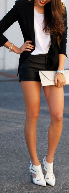 Love the black blazer and black shorts combo. Need new black shorts like this.  60 Great Summer - Fall Outfits @styleestate