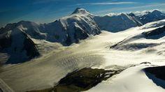 """""""Seitenzunge des Aletschgletschers"""" aus """"Die #Schweiz von oben: Das Jungfraujoch per Propellermaschine"""" von @reiseratte"""
