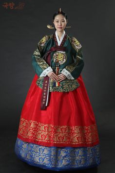Palace hanbok. Only girls living in the palace and from the royal family could wear golden patterns on their clothes
