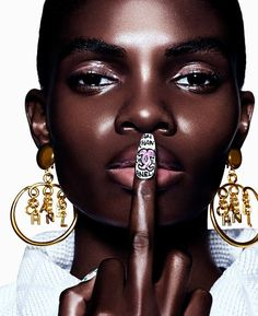 Beauty Makeup Photography, I Love Chocolate, Too Faced Makeup, Dark Skin Tone, Beauty Tutorials, Benefit Cosmetics, Black Models, Black Is Beautiful, Simply Beautiful