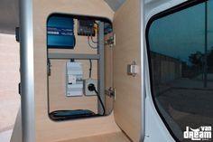 Opel Vivaro – Van Dream Madrid F35, Opel Vivaro Camper, Toyota Hiace Campervan, T5 Caravelle, Build A Camper Van, Van Conversion Interior, Renault Master, Campervan Interior, Van Living