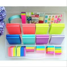 Compartment organizers 50 ways -- day organized post-it's. sticky notes, flags, book marks and tabsorganized, easy to find and wrink… Stationary Store, Stationary Supplies, Planner Supplies, School Suplies, Study Organization, Organizing, Cute School Supplies, Office Supplies, Art Supplies