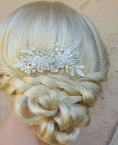 Check out this item in my Etsy shop https://www.etsy.com/listing/292822267/bridal-hair-comb-wedding-comb-decorative