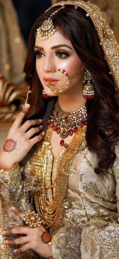 Asian Bridal Dresses, Wedding Dresses For Girls, Bridal Outfits, Pakistani Bridal Makeup, Bridal Hair Buns, Beautiful Pakistani Dresses, Bridal Makeover, Bridal Pictures, Wedding Photos