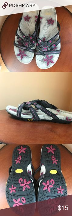 ABEO sandals.  Pink and gray.  Size 8. Comfy sandal by ABEO. Abeo Shoes Sandals