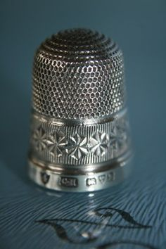 SOLID SILVER CHARLES HORNER THIMBLE No 4 HM CHESTER 1919  