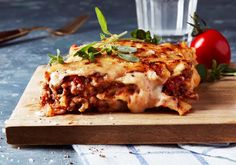 Lasagne - Recept   Arla Something Sweet, Mozzarella, Pasta Recipes, Macaroni, Foodies, Main Dishes, Spaghetti, Yummy Food, Ethnic Recipes