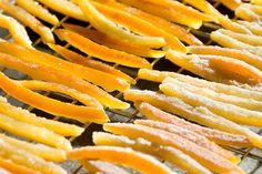 Апельсиновые цукаты – вкусное дополнение к чаю и яркое украшение тортов, пирожных и утренней овсянки. Обладателю банки цукатов мож...
