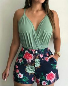Mint top and floral shorts Cute Summer Outfits, Short Outfits, Classy Outfits, Casual Outfits, Cute Outfits, Girl Fashion, Fashion Outfits, Womens Fashion, Ladies Fashion