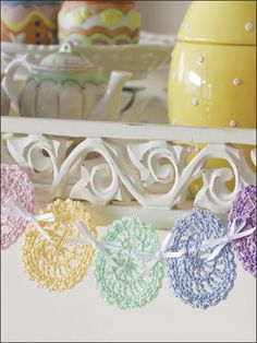 Easter Egg Swag decor ideas, DIY Crochet Easter Egg Garland, DIY Easter craft decoration ideas, Creative Easter decor ideas, 2014 Easter Eggs Crafts for Kids Crochet Bunting, Crochet Garland, Crochet Quilt, Diy Garland, Diy Crochet, Crochet Crafts, Garland Ideas, Garlands, Crochet Ideas