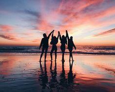 Laguna beach, ca beach photos, beach sunset pictures, friend beach pictures, bff Photos Bff, Bff Pics, Cute Friend Pictures, Friend Photos, Beach Photos, Group Photos, Best Friend Fotos, Photos Black And White, Photo Lovers