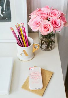 Girly desktop! Home tour from Mix and Chic.