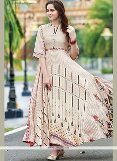 Impressive cream embroidered gown style online which is crafted from maslin cotton fabric with exclusive digital print work. Moda Indiana, Cotton Gowns, Cotton Silk, Printed Cotton, Cotton Fabric, Stylish Gown, Printed Gowns, Gown Pattern, Gowns With Sleeves