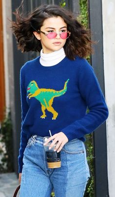 9 Universally Feared Fashion Trends… That Are Back via @WhoWhatWearUK