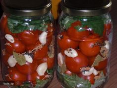 Rosii cu Usturoi, Murate Canning Pickles, Thing 1, Preserves, Food And Drink, Vegan, Vegetables, Cooking, Recipes, Kitchen