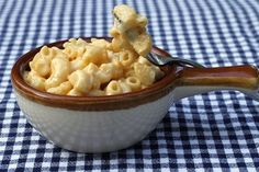 Tideandthyme.com baked mac and cheese. Very simple, think I'll make it this weekend :)
