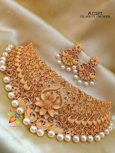Jewelry Design Earrings, Gold Jewellery Design, Gold Jewelry, Indian Wedding Jewelry, Necklace Set, Gold Necklace, Gold Choker, Churidar, Smarty Pants