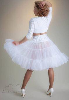 Petticoat weiss | knielang |  mittellang | 3 Lagen | Wellenkante | SKY von SETRINO® aus Berlin.