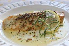 真だらのムニエル、粒マスタードバターソース by さっちん (佐野幸子) / 真だらのムニエルに、バター、粒マスタードソースをかけたシンプルな魚料理です。 / Nadia