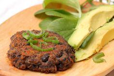 BLW-Rezept für Bohnen-Kürbislaibchen, vegane Bratlinge für Babys ab 6 Monaten und die ganze Familie, für vegane Burger oder als Laibchen, Baby led weaning