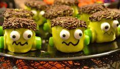 Frankenstein Halloween Treats!  Fun and easy to make Frankenstein Halloween treats!  #halloween #halloweentreats #halloweenfood