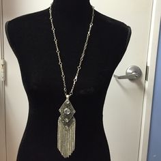 Stunning silver necklace This necklace has a detachable pendant.  Really makes a statement! Jewelry Necklaces