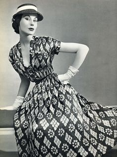 Christian Dior evening gown with satin plisettato densely printed fabric, spinning and weaving, French L'Officiel, April 1953