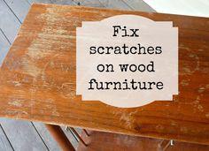 DIY: fix scratches in wood furniture  1/4 Weinessig + 3/4 Olivenöl mit einem weichen Tuch auftragen  *** siehe auch http://lilyandthistle.blogspot.de/2012/07/a-quick-trick.html
