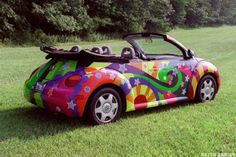 """A custom made 1998 Volkswagen Beetle, featured in the movie """"Austin Powers The Spy Who Shagged Me,"""" is seen on displya in August 2000 in Fort Wayne, IN as part of the Kruse Auto Auction. Beetles Volkswagen, Volkswagen Tiguan, Volkswagen Bus, Vw Camper, Carros Vw, Mundo Hippie, Bug Car, Beetle Bug, Cute Cars"""