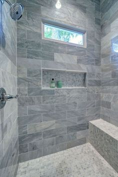 Best Small Master Bathroom Remodel Ideas 09