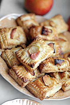 ciastka francuskie z twarożkiem i karmelizowanymi jabłkami