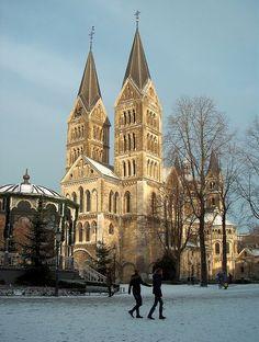 Munsterplein, Roermond, Limburg, Nederland, Architectuur, Sneeuw.   Flickr - Photo Sharing!