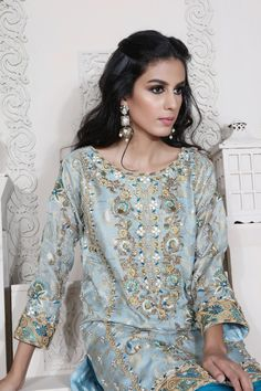 A-Line Wedding Dresses Collections Overview 36 Gorgeou… Pakistani Party Wear Dresses, Pakistani Wedding Outfits, Designer Party Wear Dresses, Indian Party Wear, Indian Dresses, Wedding Hijab, Indian Wear, Girls Fancy Dresses, Ladies Fancy Dress