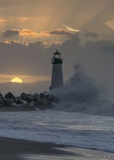 "itinsightus: ""December Sunrise by BruceFrye """