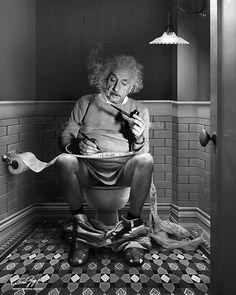 The daily duty (Albert Einstein), 2017 - by Cristina Guggeri Italian Vintage Photography, White Photography, Toilet Art, Cinema Tv, Einstein Quotes, Funny Art, Albert Einstein, Historical Photos, Vintage Photos