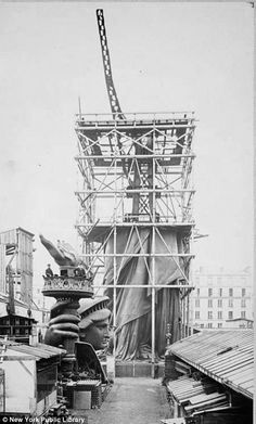 I want this framed in my house. Under construction: Lady Liberty before her head is mounted onto her body in Paris in 1883.