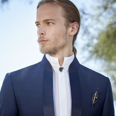 Tuxedo Vest, Sport Casual, Office Outfits, Mens Suits, Wedding Planner, Suit Jacket, Wedding Day, Mens Fashion, Blazer