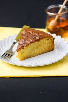 I've had my eye on this recipe for Rustic Olive Oil Cake with Honey Syrup for some time now. As the name suggests, olive oil is substituted for butter, a healthy alternative according to The Mediterranean Diet . Just Desserts, Delicious Desserts, Cake Recipes, Dessert Recipes, Dessert Ideas, Olive Oil Cake, Rustic Cake, Moist Cakes, Cupcake Cakes