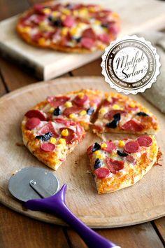Bazlamadan Pratik Pizza Tarifi