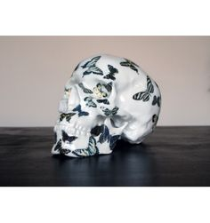 SKULL BUTTERFLY Porcelain  BY NooN - 50 ex only  dispo sur www.artandtoys.com