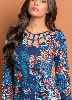 Blusa com Detalhe Vazado Arabescos e Floral - Posthaus