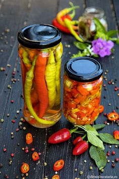 Fermented Foods, Pickles, Zucchini, Chili, Goodies, Food And Drink, Cooking Recipes, Yummy Food, Stuffed Peppers