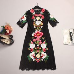 Lace Dress 2016 Spring Summer New Fashion Runway Brand Flowers Embroidery Luxury Short Sleeve Knee-length Black Dress
