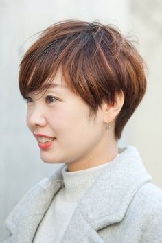 Pixie Cuts, Short Pixie, Japan Street, Hair Makeup, Street Style, Hair Styles, Face, Short Hairstyle, Hair Plait Styles