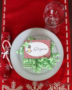 Hosting a Christmas party this year and want your guests to sit at certain spots at the table? Add our decorative labels with your guest's names at each seating. BellaGrey Designs