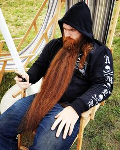 """hmbearger: """"Found this online. This beard is gorgeous! """""""