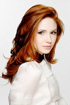 Karen Gillan is bringing pale skin back and I love it! Also, I want her hair. Source by drmelrig Related Posts:Want to look as chic as a French woman? Karen Gillan, Karen Sheila Gillan, Red Hair Woman, Blowout Hair, Gorgeous Redhead, Gorgeous Hair, Facon, Beautiful Actresses, Her Hair