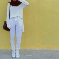 Fashion Hijab Simple Casual Ideas Source by hijab Hijab Casual, Hijab Fashion Casual, Hijab Simple, Street Hijab Fashion, Hijab Chic, Muslim Fashion, Modest Fashion, Fashion Outfits, Womens Fashion