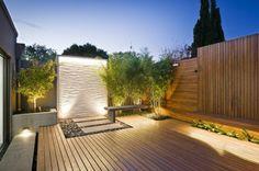 Moderne Terrassengestaltung – 100 Bilder und kreative Einfälle - dekoideen terrassengestaltung holzboden bank beleuchtung